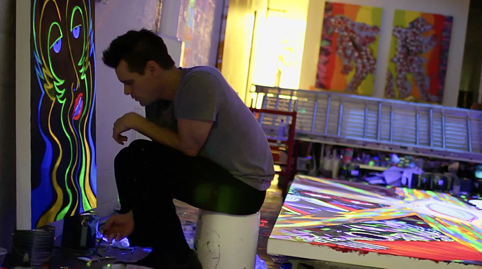 Вскоре после начала рисования красками весь дом Джима Керри был заполнен картинами.