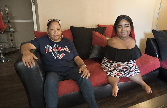 Джелисса со своей мамой Деборой.
