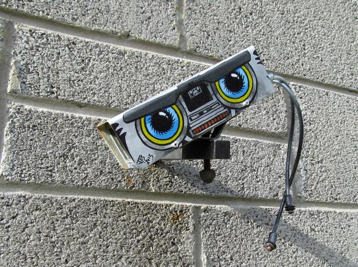 Британский художник JPS умеет видеть новое в привычных объектах.