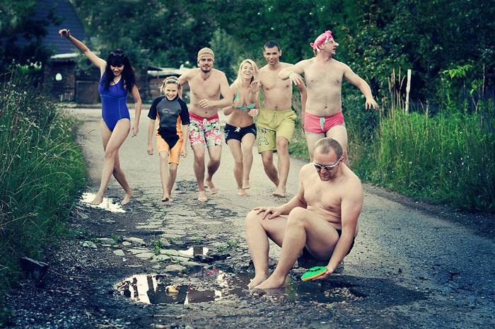 Айда на пляж! - фотопроект в Каунасе о проблемном состоянии дорог.