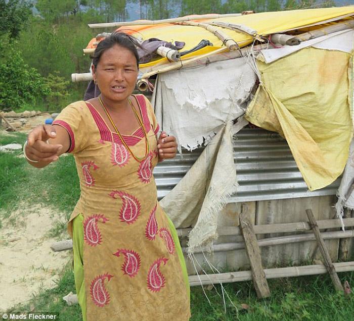 После землетрясения многие жители остались без денег и жилья, и соответственно стали легкой добычей для торговцев органами.