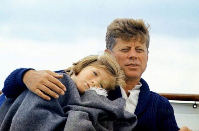Джон Кеннеди со своей дочерью Керолайн.
