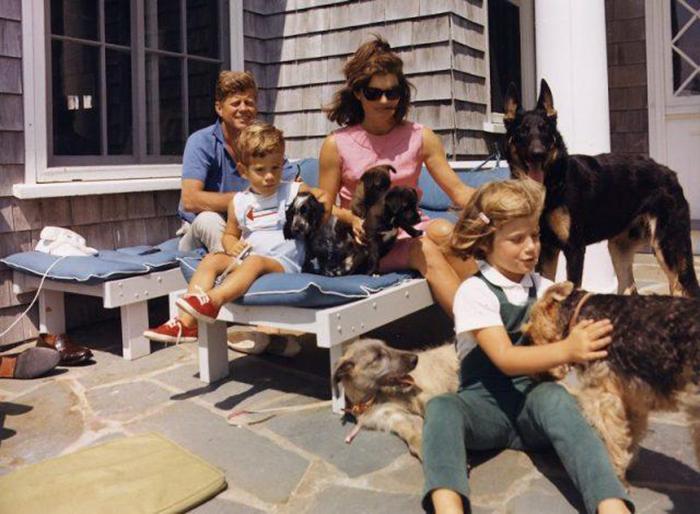 Семья Кеннеди в порте Гианнис, 1963 год.