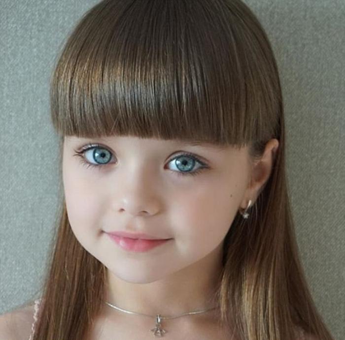Анастасии Князевой всего шесть лет, но она уже является моделью. Instagram anna_knyazeva_official.