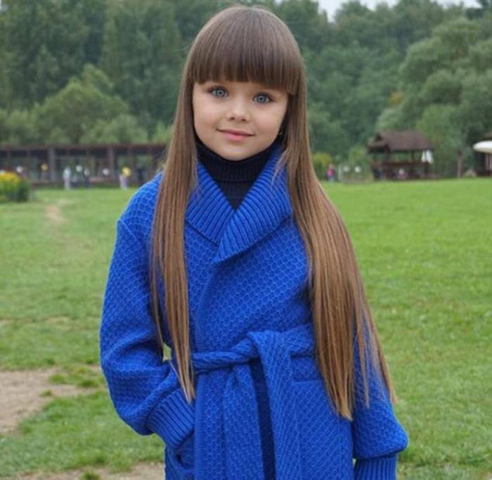Анастасия Князева покорила пользователей интернета своим кукольным личиком и огромными голубыми глазами. Instagram anna_knyazeva_official.