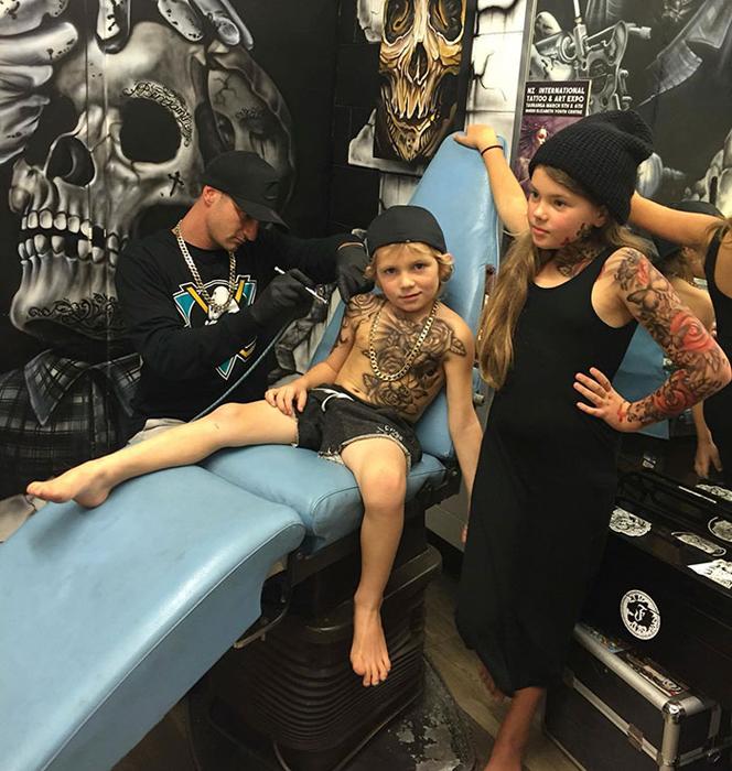 *Ничто не приносит мне больше радости, чем позволить детям почувствовать себя важными и красивыми из-за татуировки, которая нравится им самим*.