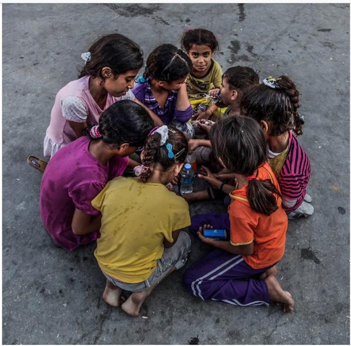 Девочки играют на перемене в школе. 21 октября 2015 г. Фото: Emad Samir Nassar.