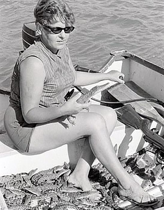 Равных Кристине в охоте и освежевании крокодилов не было.