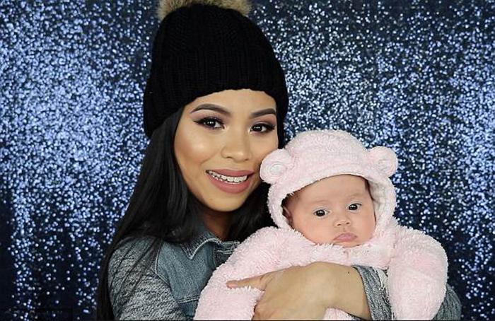Ли Эн со своей дочерью Оливией.