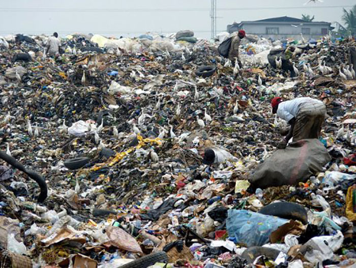 Свалка занимает большую часть города Лагос.