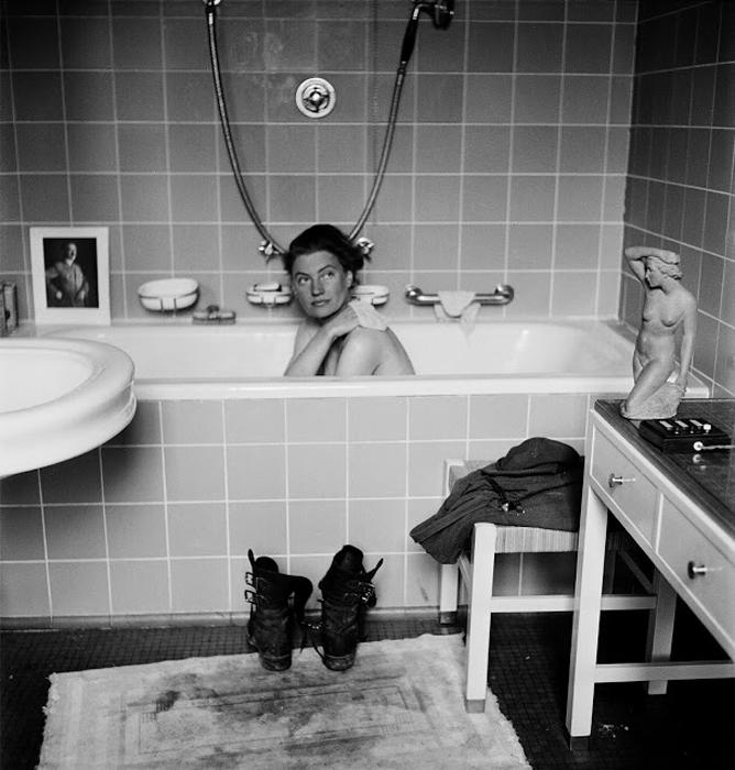 Ли Миллер в ванной Адольфа Гитлера. Фото: David Scherman/Lee Miller.