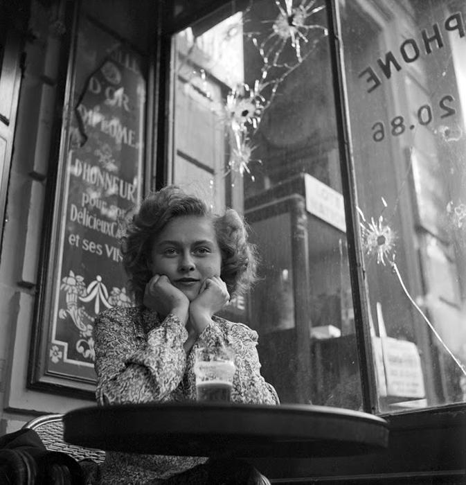 Мадемуазель Кристиан Пойне, студентка юридического факультета, Париж, Франция, 1944г. Фото: Lee Miller.
