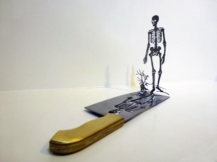 Силуэт скелета.