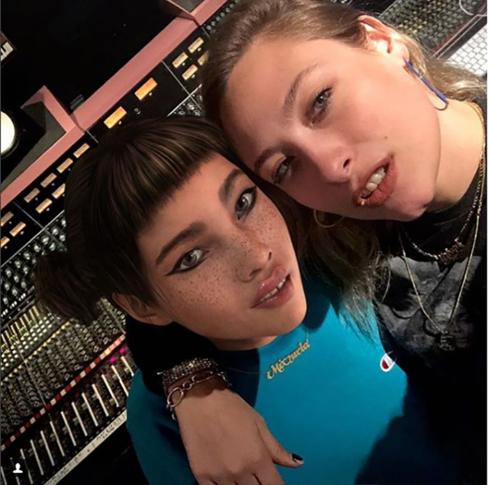 Ужасно рада встретить сегодня в студии Саманту! Целое утро болтали про музыку, феминизм и нашу любовь к Джанет Джексон, хаха. Instagram lilmiquela.