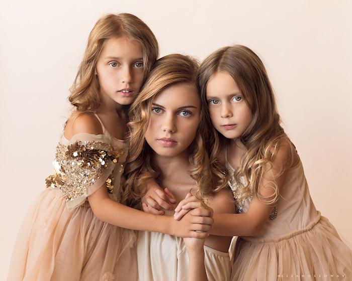 Дочки Лизы Холлоуэй.