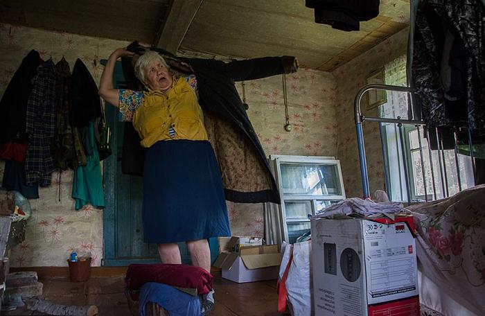 Люська до сих пор носит пальто, которое сшила ее мама в 1937 году.