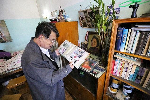 После смерти жены в 1999г Хуан Ки чувствует себя совершенно одиноким.