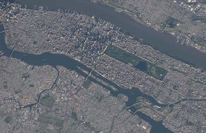 Нью-Йорк Сити, снято командой экспедиции 43 на МКС 23 мая 2015 г.