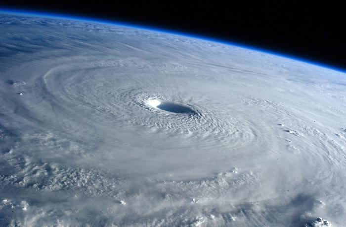 Тайфун Майсак, перерастающий в ураган 5й категории. Снимок астронавта Саманты Кристофоретти 31 марта 2015 г.