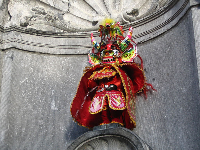 Статуя в наряде злого духа инков.