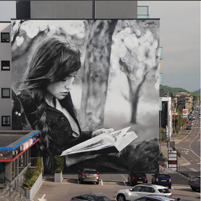 L'harmonie de l'éveil. Мурал на торце здания в Люксембурге. Май 2017 года. Автор: Mantra.