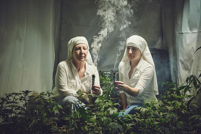 Сестры из Долины и их *скромный бизнес*. Фото: Shaughn Crawford/John DuBois.