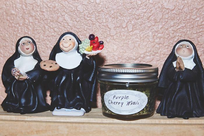 Необычный бизнес ненастоящих монахинь. Фото: Shaughn Crawford/John DuBois.