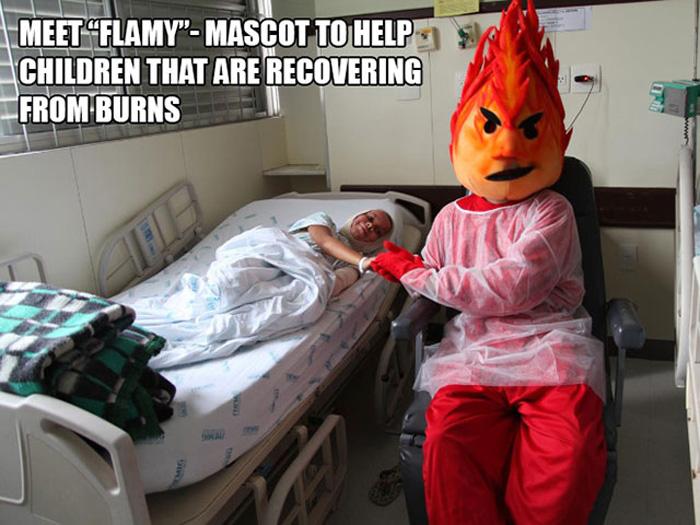 Маскот Флейми (Огонек) предназначен помочь детям, пострадавшим от ожогов.