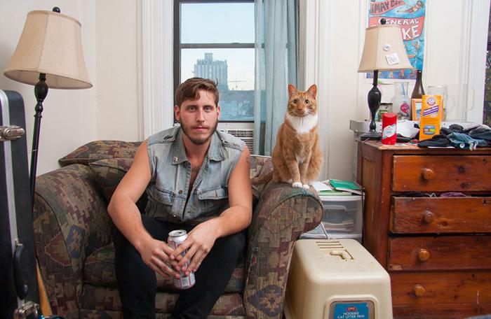 Мы с котом на чемоданах.