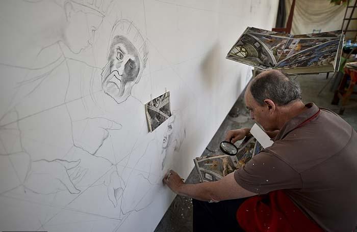 Несмотря на то, что проект Мигеля занял у него на 14 лет больше, чем у Микеланджело, пенсионер и не думал отступать от своих планов.