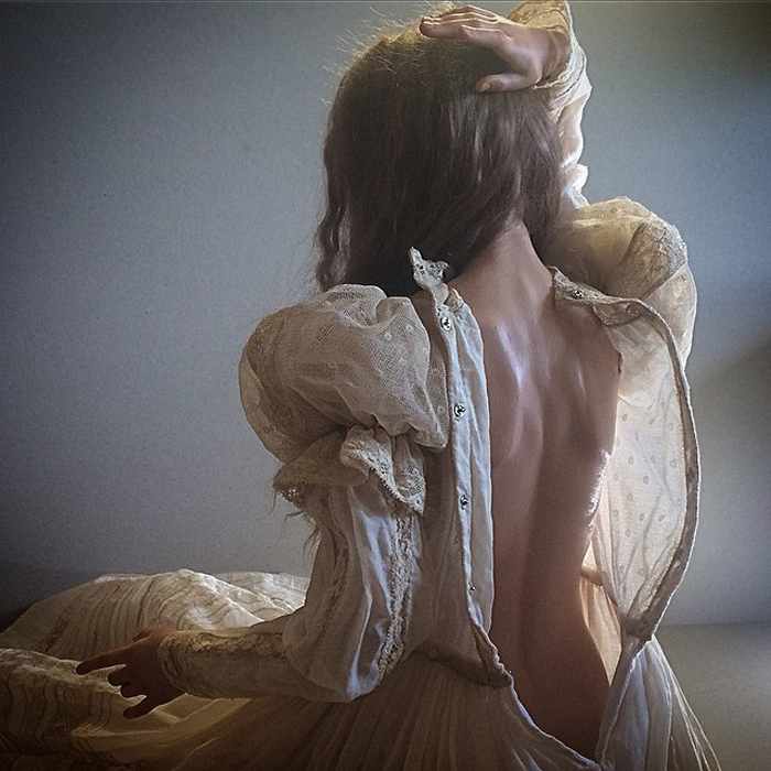 Наряды для кукол создает Ирина Куземина.