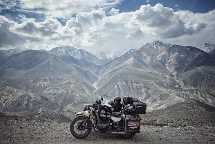 Ваханский коридор в Таджикистане. Высота  более 4000 м.  Instagram bizoo_n.