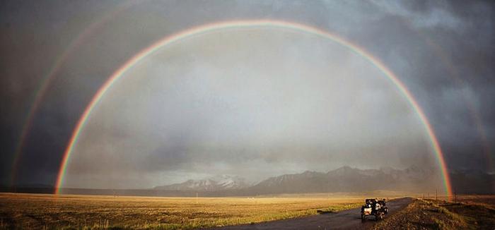 Самая красивая радуга, которую мы когда-либо видели, в Киргизии. Instagram bizoo_n.