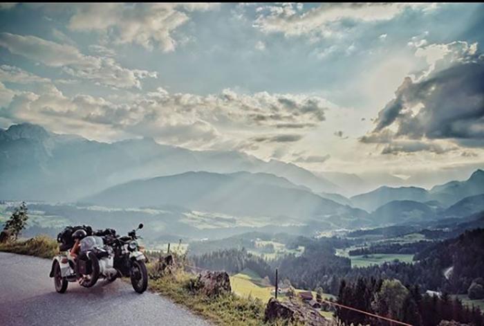 Австрия.  Instagram bizoo_n.