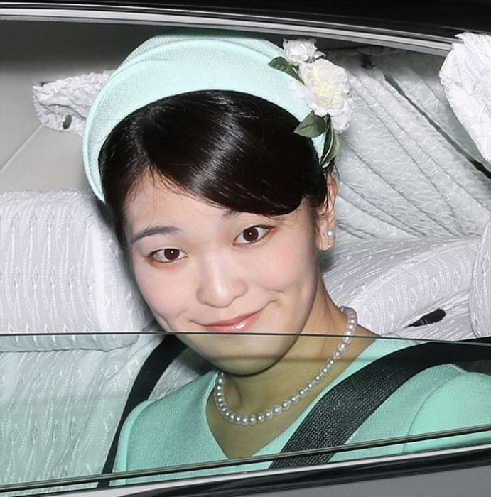Принцесса Мако не является наследницей престола, но императорский титул принцессы все же дает ей определенные привилегии.
