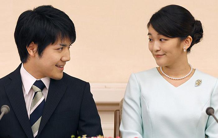 После свадьбы Принцесса Мако больше не будет иметь титула принцессы.