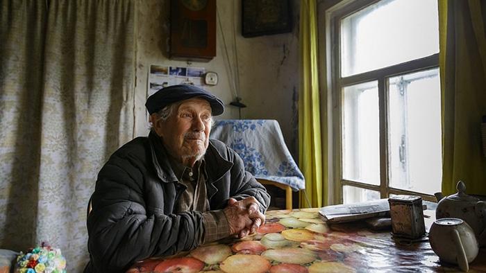 Евгений Васильевич копил деньги 63 года.