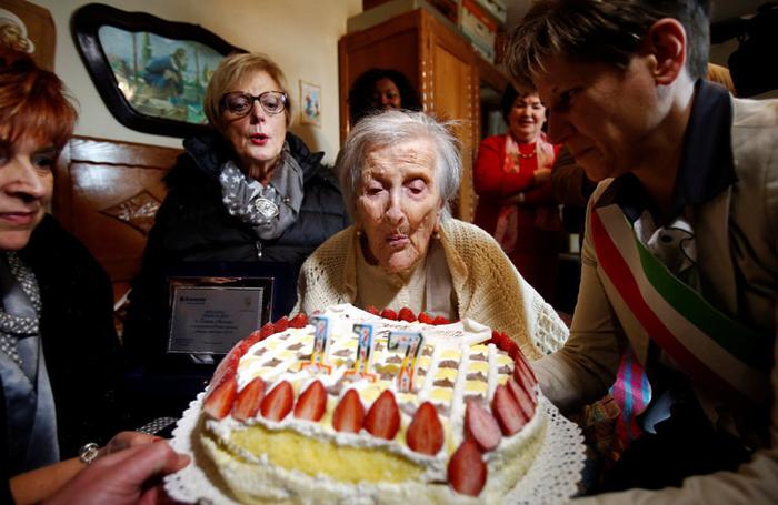 Торт по случаю дня рождения Эммы.
