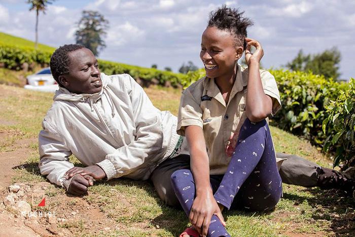 Когда Сэмми говорил о своей любимой, его глаза сияли от счастья. Фото: Muchiri Frames.