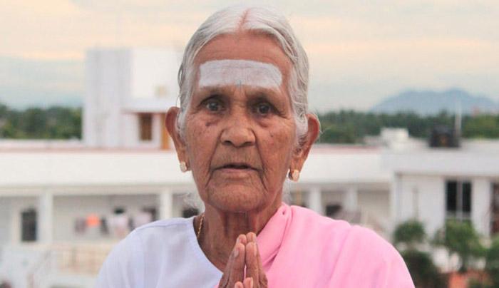 98-летняя женщина находится в превосходной физической форме.