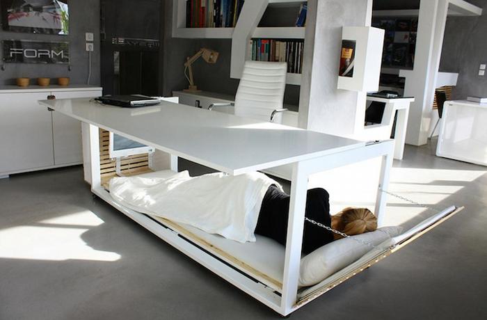 Два в одном: рабочий стол и кровать от Studio NL.