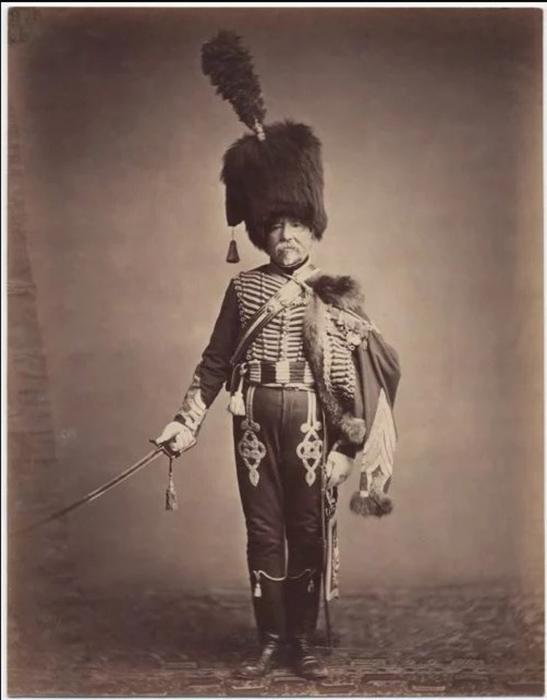 Начальник снабжения Фабрю, первый гусарский полк.  Фото: Brown University Library.
