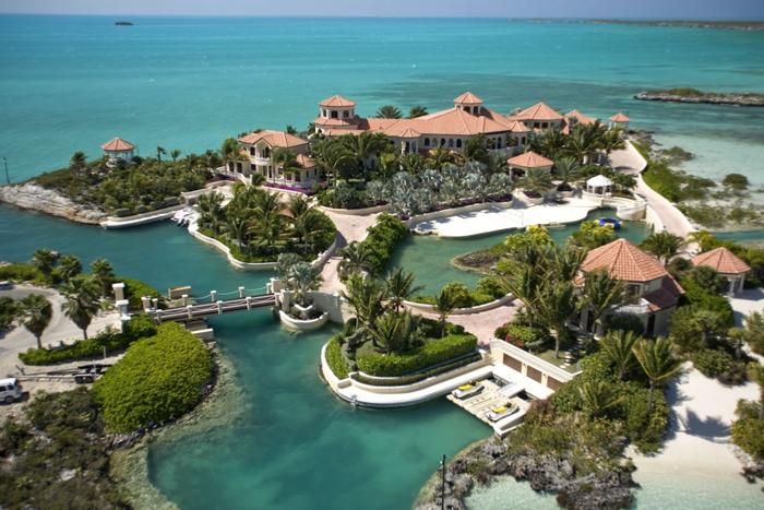 Ричард Брэнсон превратил удаленный пустой остров в настоящую сказку на земле.