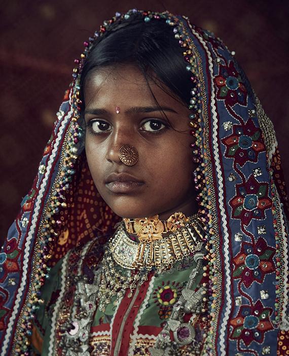 Девушка из племени Мир в Индии.