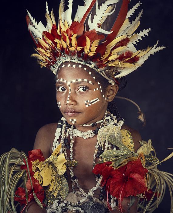 Девочка из племени Туфи в Новой Гвинее.