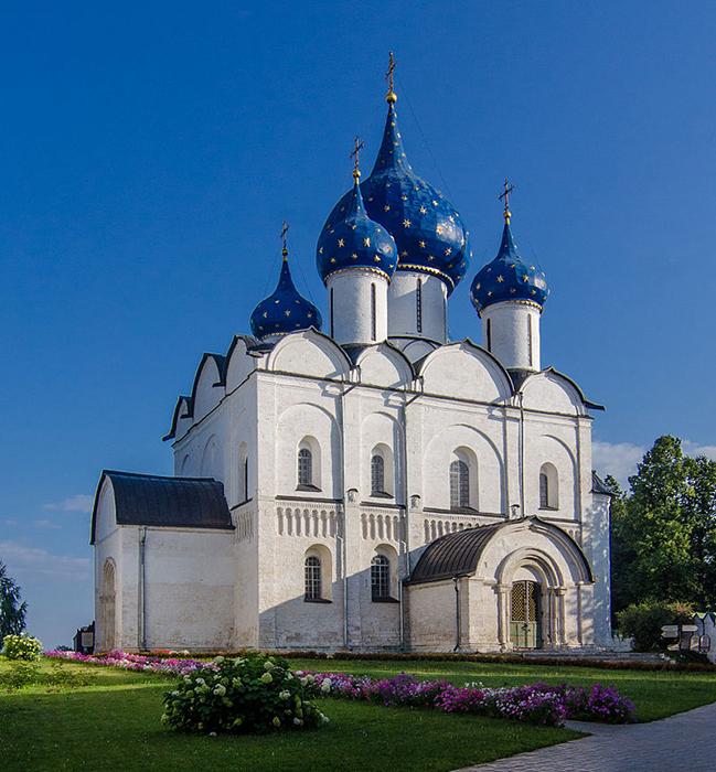Богородице-Рождественский собор в Суздали.