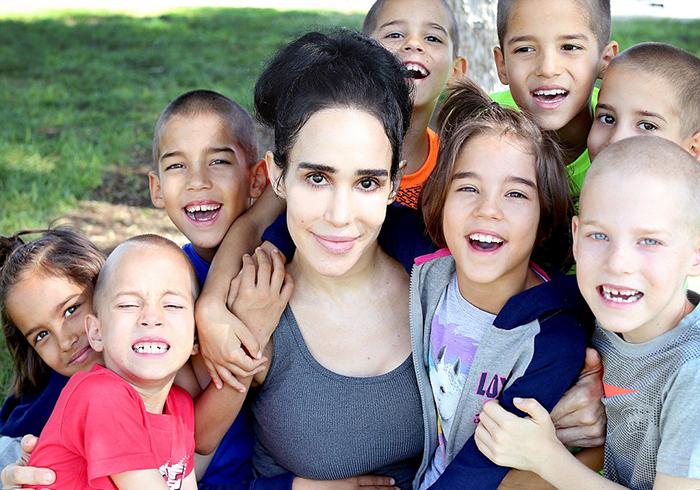 Восьмерняшек Натали назвала Джона, Нария, Джозиа, Малия, Исайя, Ноа, Джеремиа и Макаи.