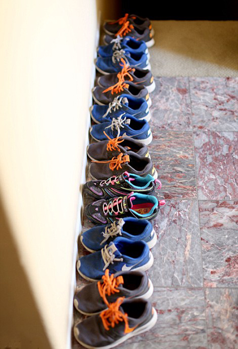 Детская обувь в доме Сулеман.