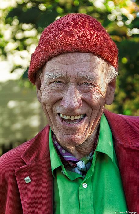 Олаф начал свою карьеру с продаж лисьего меха.