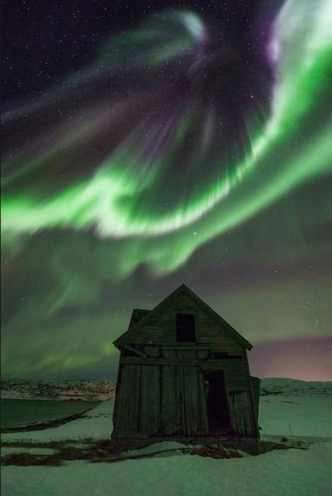 Дом. Фотография из Тромсё, Норвегия.